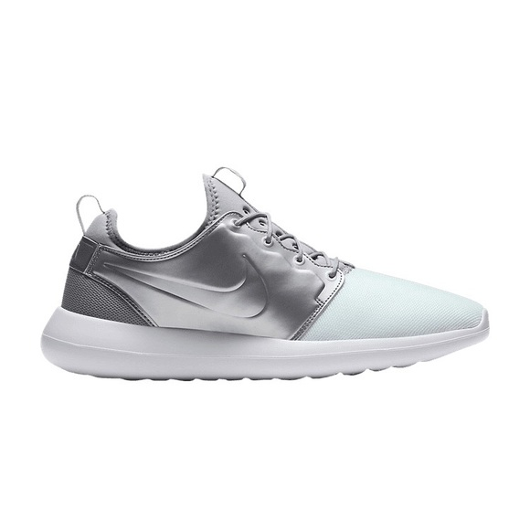 promo code b04af ac0e1 Nike roshe run Two white grey size 11 DS new